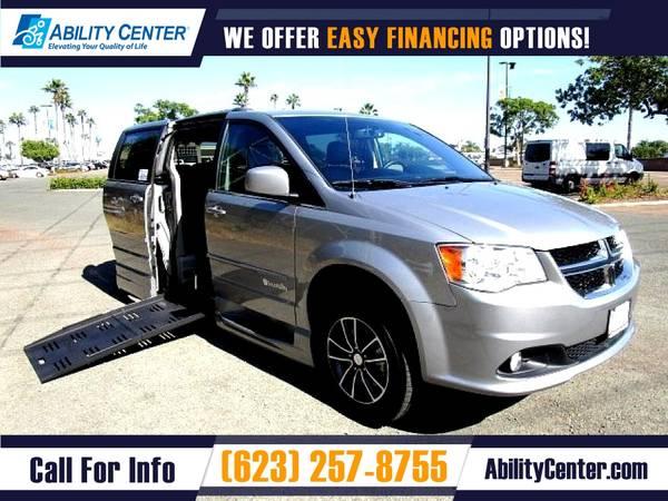 Photo 2017 Dodge Grand Caravan $435 mo Wheelchair Van Handicap Van - $42,995 (13765 W Auto Drive Suite 125, Goodyear, AZ 85338)