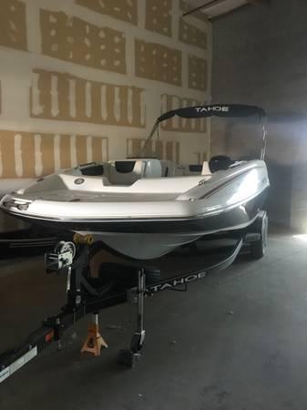 Photo 2017 Tahoe Deck Boat - $33,000