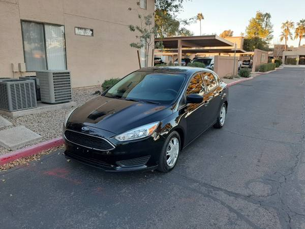 Photo 2018 Ford Focus, S model, clean title, cool car - $6900 (mesa)