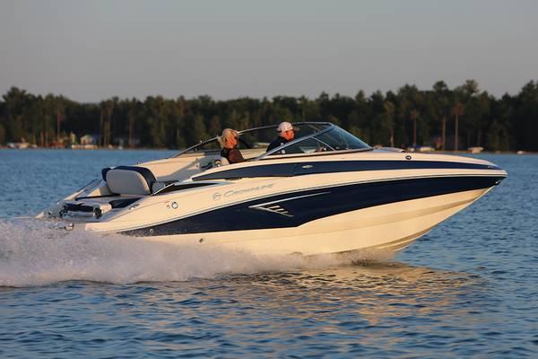 Photo 2021 Crownline E-235 Deck Boat - $65,995 (Germaine Marine AZ)