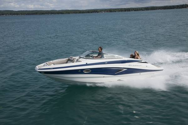 Photo 2021 Crownline E-255 Sport Deck Boat (2539ft) - $86,232 (Germaine Marine AZ)