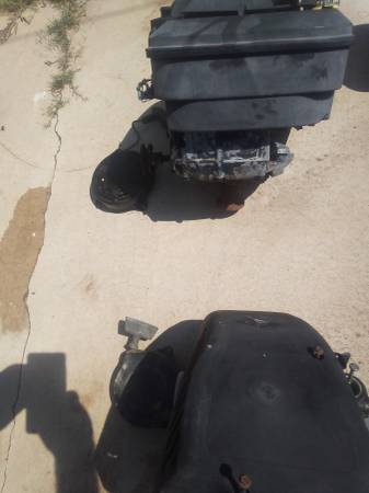 Photo 2 Briggs and Stratton engines. $25 for both. - $25 (Youngtown Sun City.)
