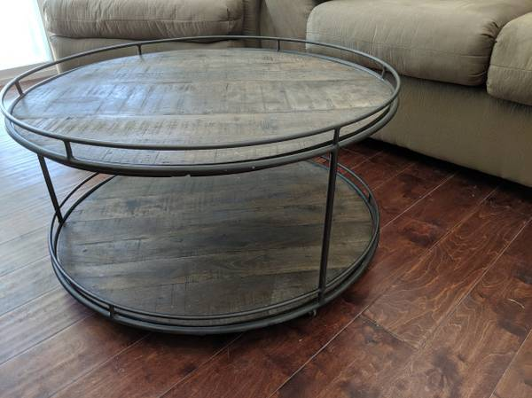 Photo BEAUTIFUL Reclaimed WOOD  IRON Coffee or ACCENT Table - $100 ($25 DELIVERY from Thomas  McDowell Mesa)
