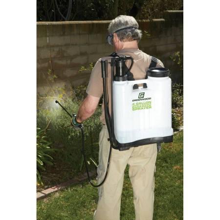 Photo Backpack Sprayer 58 PSI 4 Gallon 4 Heads for Weeds, Fertilizer NEW - $45 (Phoenix)