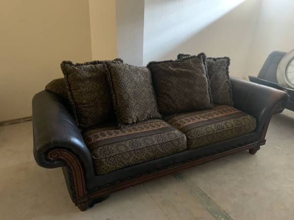 Photo Brown Leather Couch with Cloth Cushions (Great Condition) - $200 (Scottsdale)