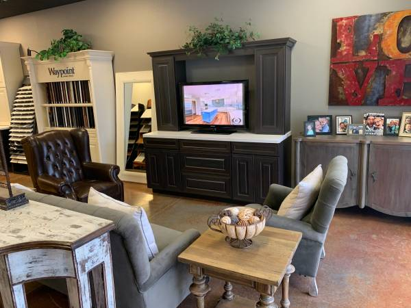 Photo Custom Entertainment Center Cabinets with Flat Screen TV - $1,500 (Scottsdale)