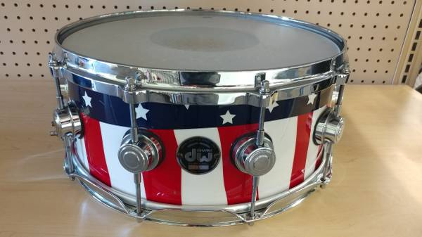 Photo DW COLLECTOR39S SERIES CUSTOM (1-OF-A-KIND) COMMEMORATIVE 911 AMERICAN FLAG (14quot - $850 (Tempe)