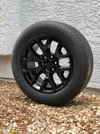 Photo GMC Black 20quot rims and tires
