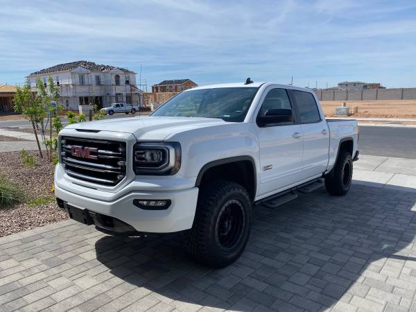 Photo GMC Sierra SLT All Terrain - $39900 (Gilbert)