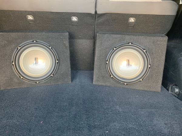 Photo Jl Audio 10 subs hear them before you buy - $250 (N Phoenix)