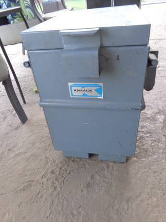 Photo Knaack tool box - $200 (scottsdale)