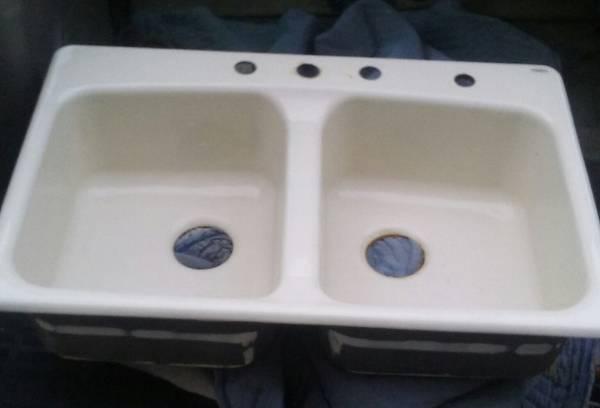 Photo Kohler kitchen sink - cast iron and almond color - fair condition - $35 (chandler)