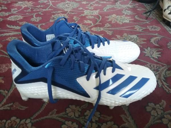Photo Like new Adidas size 10 football cleats - $60 (happy valley and 35th ave)