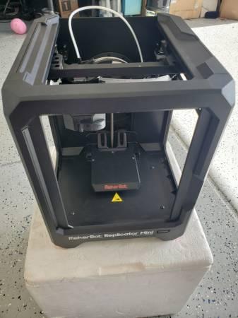 Photo Like new MAKERBOT Replicator Mini Compact 3D Printer - $470 (Chandler)