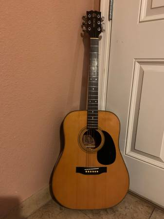 Photo Mitchell MD-100 Dreadnought Acoustic Guitar - $90 (N  W PHOENIX)