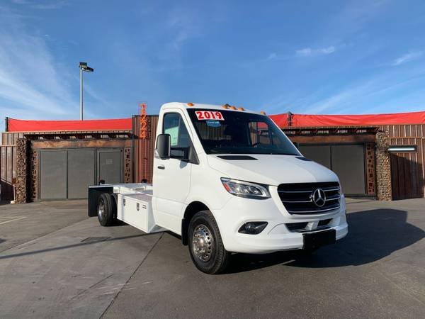 Photo NEW 2019 Mercedes Sprinter 3500XD Enclosed Cab Chassis DIESEL V4845 - $38,800 (FINANCING AVAILABLE)