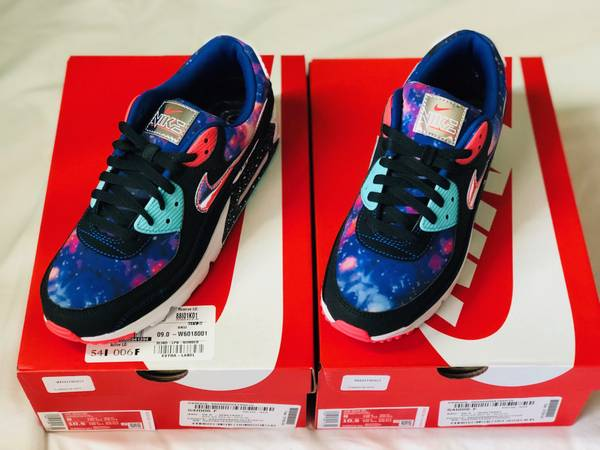 Photo Nike Air Max 90 Supernova 2020 Size 9 DS Deadstock New - $155 (Gilbert)