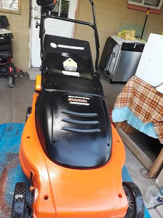 Photo No issues Corded 19quotBlack n decker lawnhog mulching mower Works great - $120 (113 EAST 8TH DR)