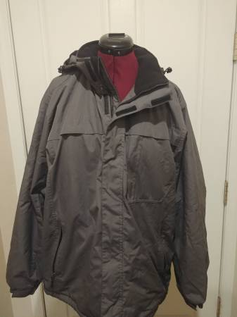 Photo NordicTrack Jacket - Size Large - $20 (67th ave  Happy Valley)