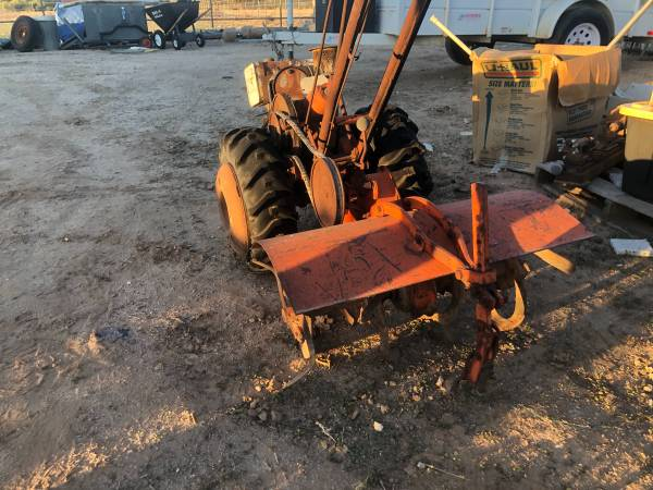 Photo Simplicity tractor - $250 (Waddell)