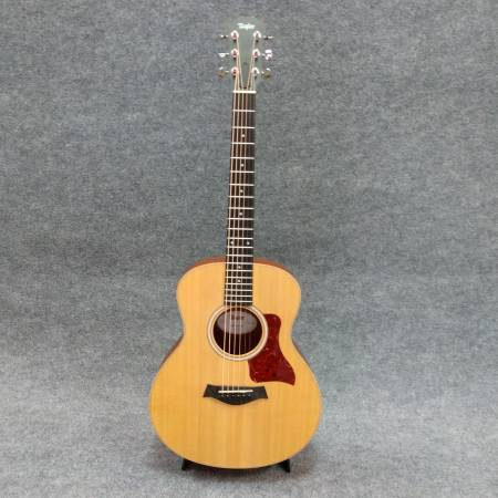 Photo Taylor GS Mini mahogany w case - $399