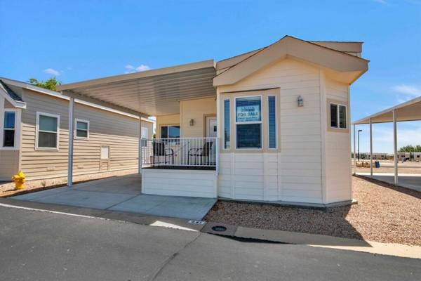 Photo The Fun Starts Here Beautiful Homes for Every Budget (6601 E US Highway 60, Gold Canyon, AZ)