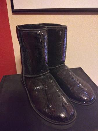 Photo UGGS Black Sequins Boots - $80 (North Phoenix)