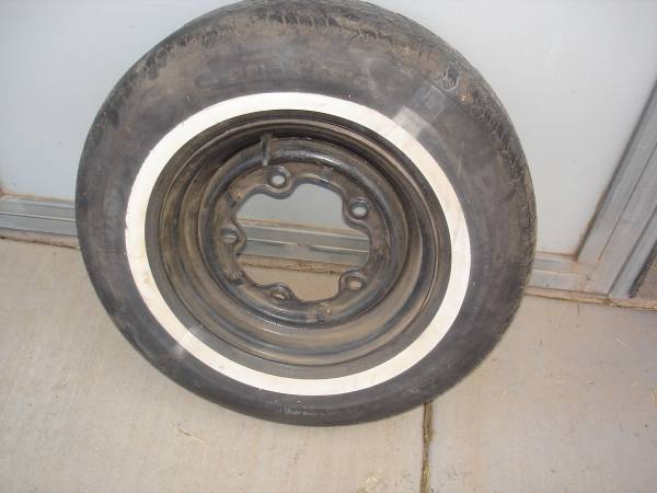 Photo VW Thing 14quot Wide 5 Wheel - $30 (C Verde)