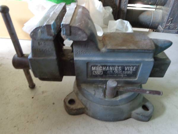 Photo Wilton 5quot mechanics bench vise - $150 (scottsdale)