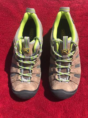 Photo Womens Keen Voyager Hiking Shoes - $120 (Phoenix)