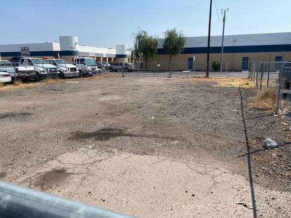 Photo dirt lot for rent - $1,250 (I17  Deer Valley rd)