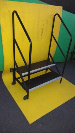 Photo rolling portable steps for mobile stages or RV39s- mobile home - $199 (deer valley)