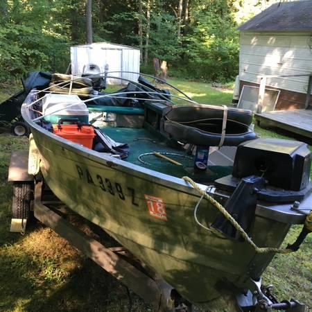 Photo 14 Ft Aluminum motor boat - $1250