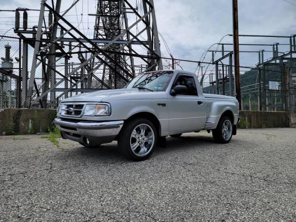 Photo 1997 Ford Ranger XLT splash 18 inch wheels 3.0 Liter - $8,700 (Cheswick, PA)