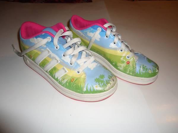 Photo (1) Pair Girl39s ADIDAS GraFEETeez Shoes - Size 3 - $15 (New Kensington)