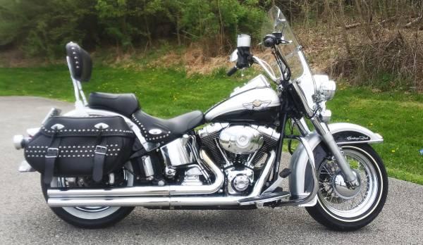Photo 2003 Harley Anniversary Heritage - $7,000 (Penn Hills  Verona)