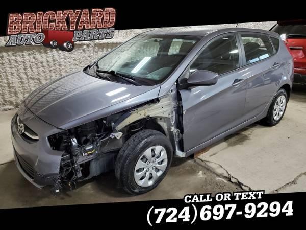 Photo 2017 Hyundai Accent SE Hatchback Automatic - $2999 (Darington)