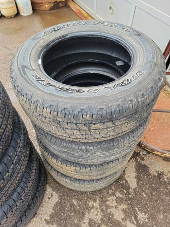 Photo (4) 26565R18 Goodyear Wrangler Used Tires - $125 (Robinson Township, PA)