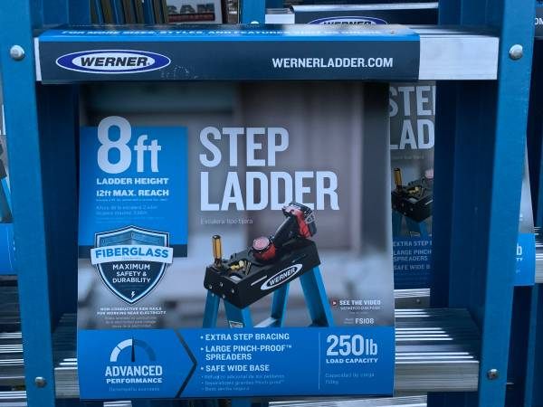 Photo Brand New Werner 8 Ladders - $110 (Coraopolis)