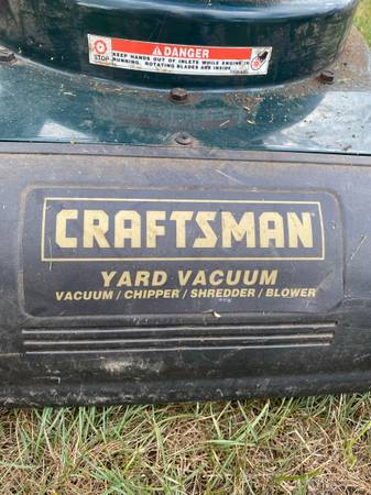 Photo Craftsman Yard Vacuum Chipper - $150 (West Mifflin)