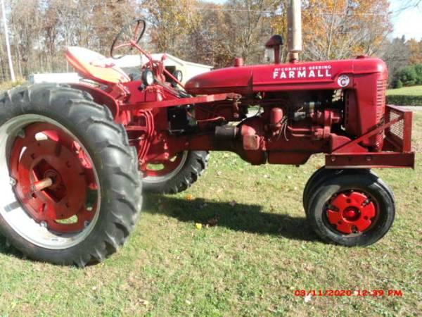 Photo Farmall Super C tractor - $2,000 (Dayton, PA)
