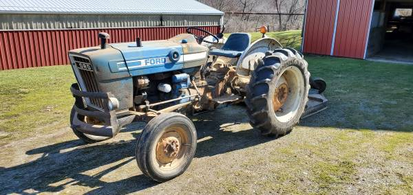 Photo Ford 2600 Tractor With 539 Brush Hog - $5,900 (Apollo)