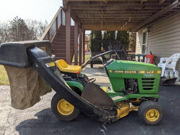 Photo John Deer Tractor - $500 (Allison Park)