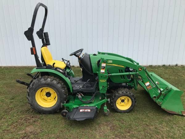 Photo John Deere 2320 loader and mower - $12100 (Bloomingdale)