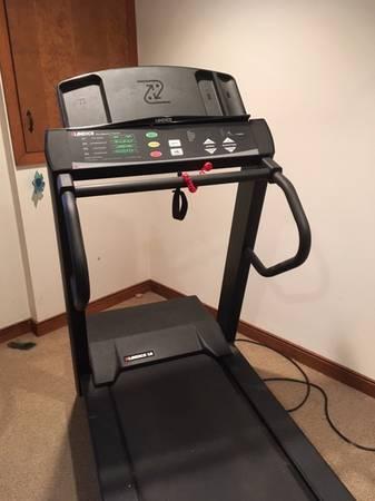 Photo Landice 8 Treadmill - $950 (Murrysville)