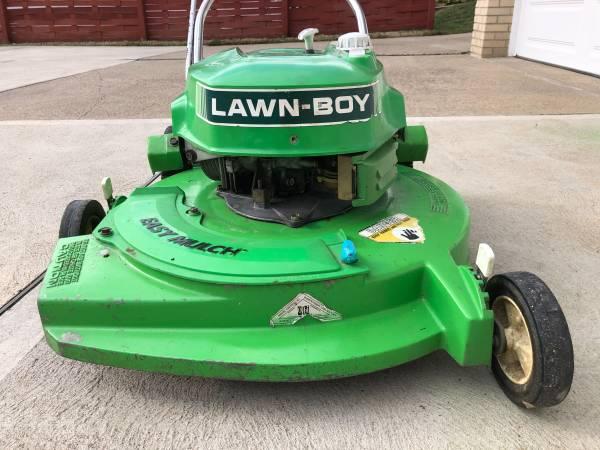 Photo Lawn-Boy Lawn Mower - $100 (West Mifflin)