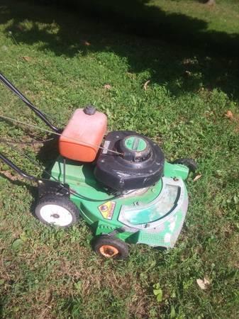 Photo Lawn Boy Commercial C21ZSN 21quot Orange tank Lawn Mower self propelled - $100 (Weirton)