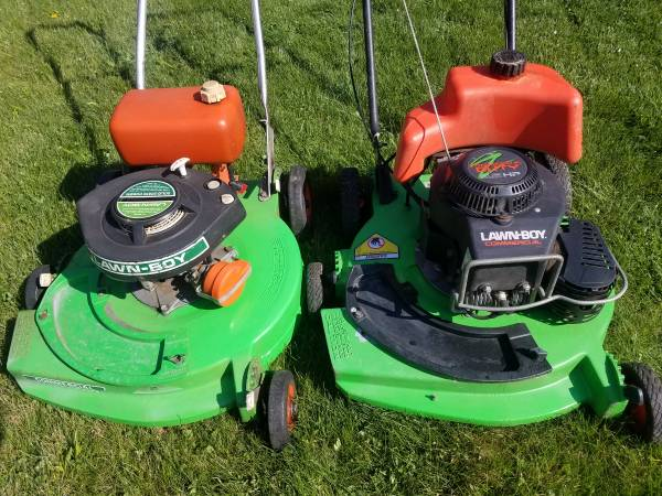Photo Lawnboy Lawn Boy 2 cycle 6.5 HP Commercial 22260 Mower Duraforce - $250 (Cranberry  Evans City)