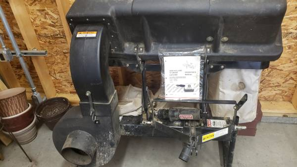 Photo New Holland Grass Bagger - $850 (Butler , PA)