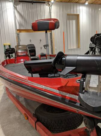 Photo Nitro bass boat - $13,500 (Pittsburgh)